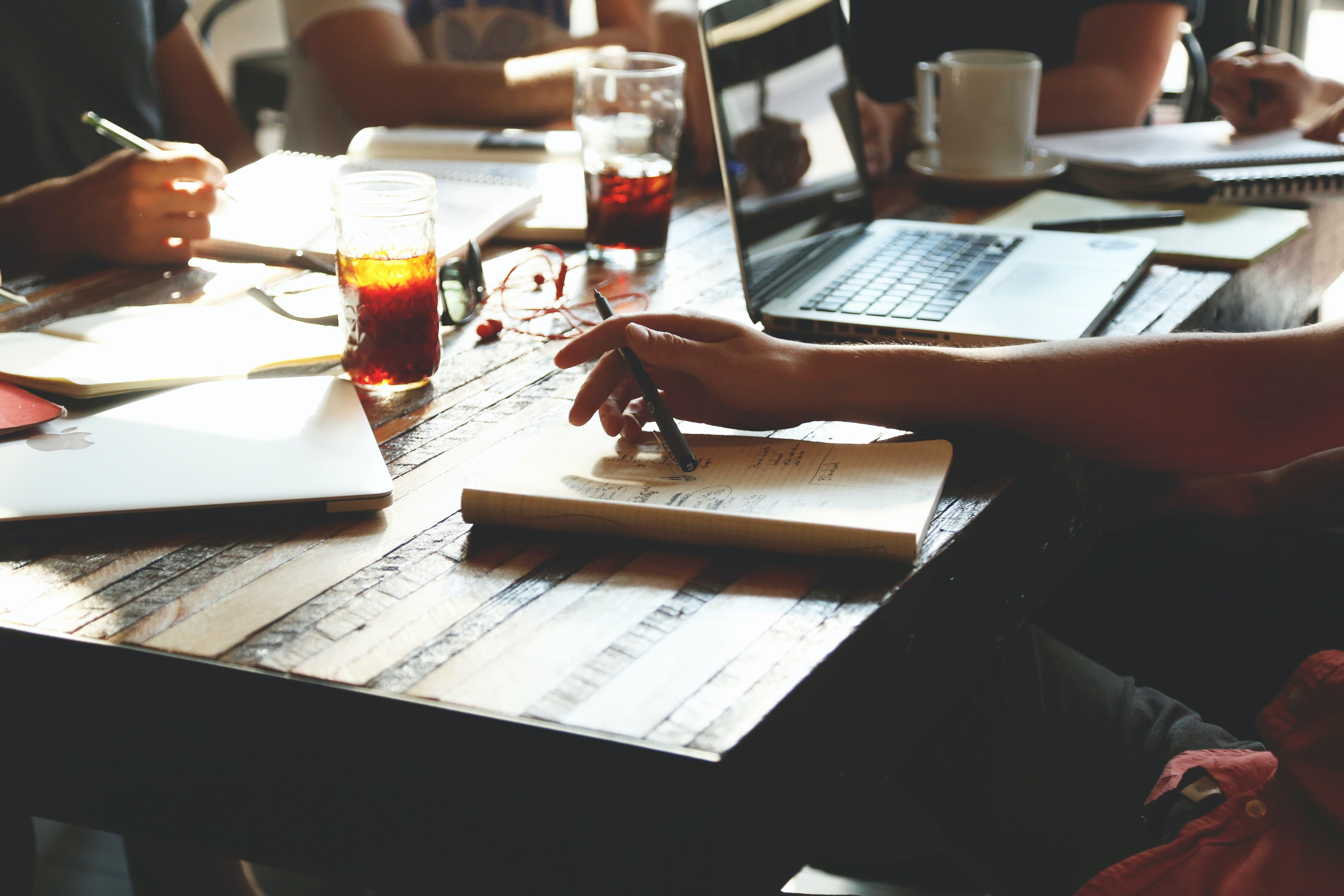8 sposobów na promocję zespołu wewnątrz firmy
